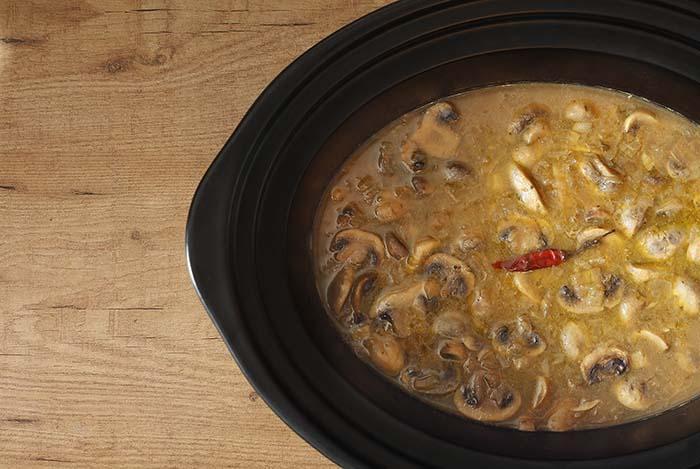 Champiñones guisados en Crock Pot. Receta.
