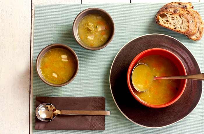 Sopa de guisantes partidos. Recetas de cenas para crock pot