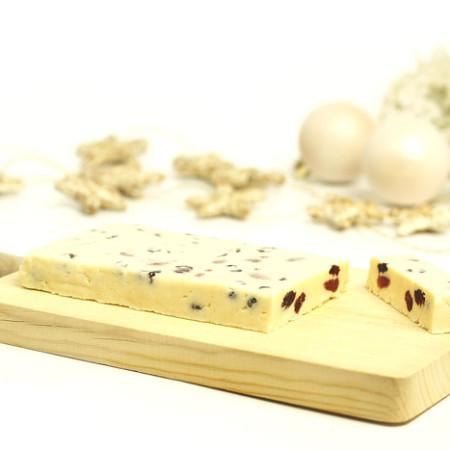 Turrón de chocolate blanco y frutos del bosque al ron. receta de Navidad en Crock Pot