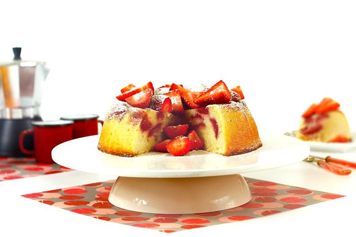 Tarta de almendras y fresas. Receta para Crock Pot