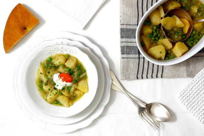 Patatas con guisantes. Recetas de cenas para crock pot