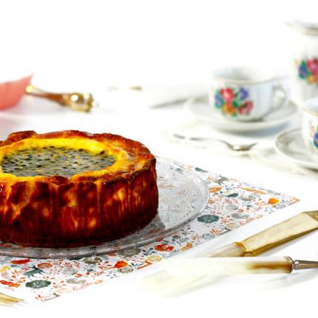 Tarta de queso o cheesecake con fruta de la pasión. Receta para crock pot