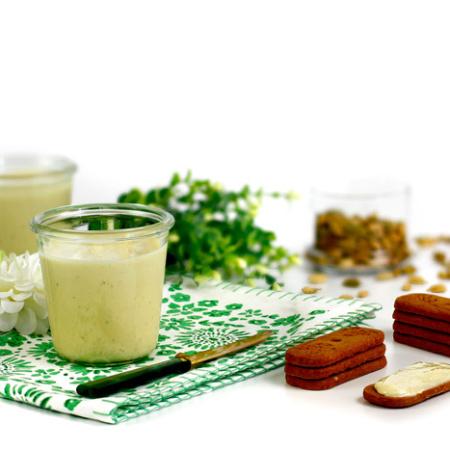 Crema de chocolate blanco al cardamomo