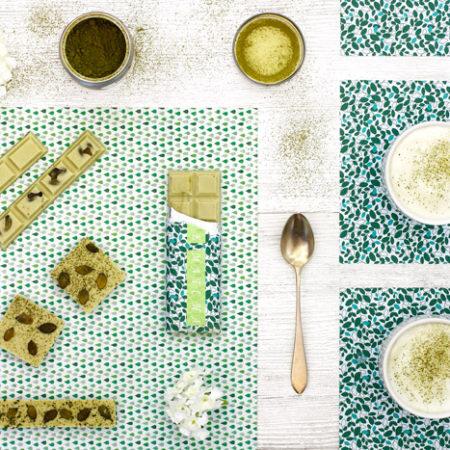 Tableta de chocolate blanco con té matcha en slow cooker